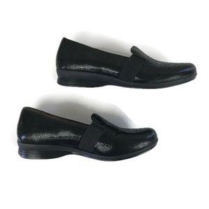 Dansko black pebbled leather loafer - Like New 7